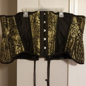 NWT!! BLACK AND GOLD STEAMPUNK STYLE CORSET!